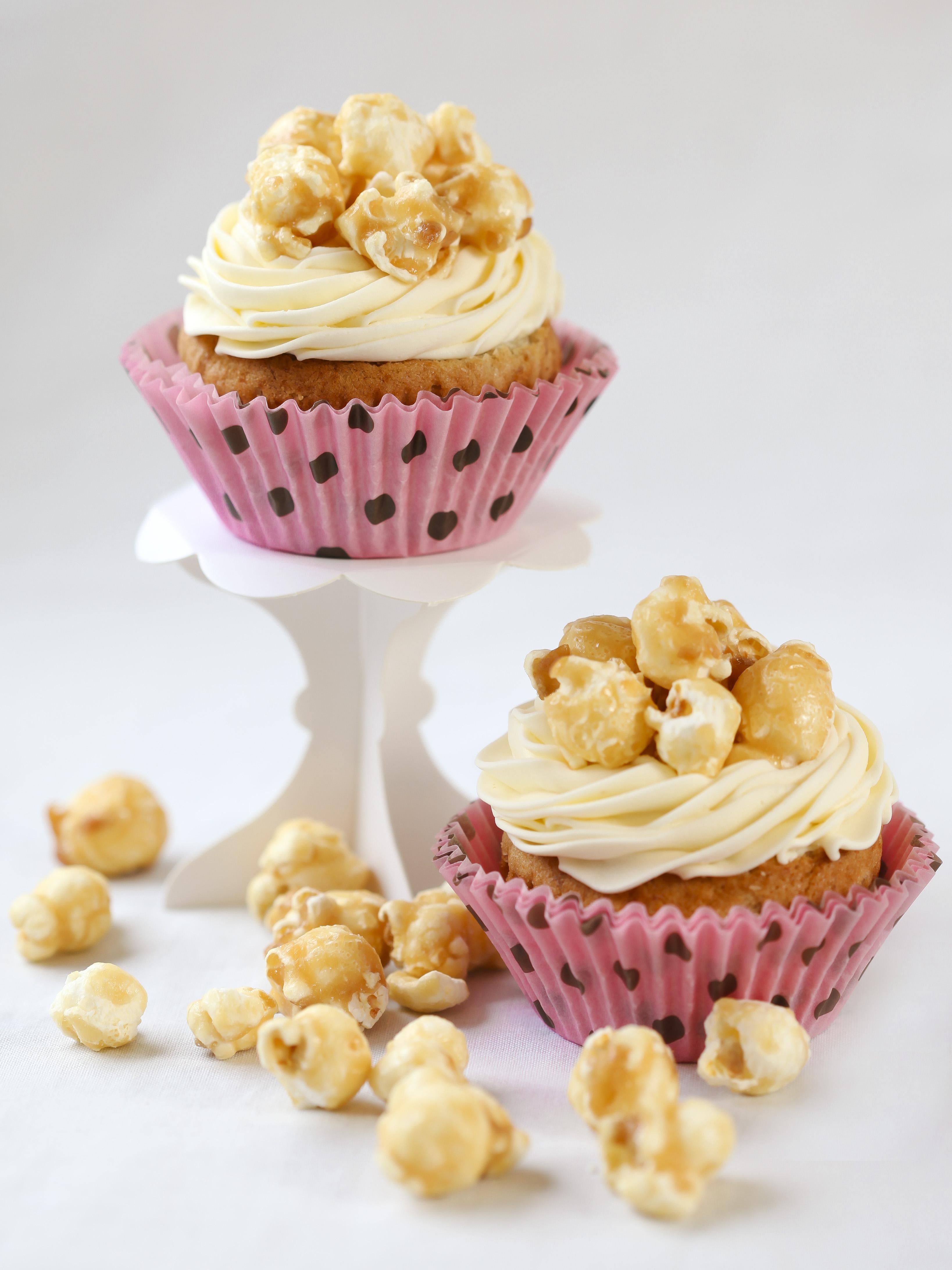 Banana Caramel Popcorn Cupcakes