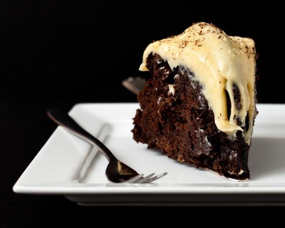 Dark Chocolate Gingerbread with White Chocolate Orange & Cardamom Ganache (4)